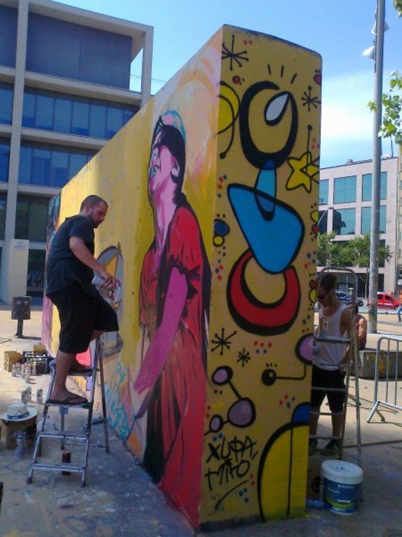 Wallspot - xupet -  - Barcelona - Tres Xemeneies - Graffity - Legal Walls - Lletres, Il·lustració