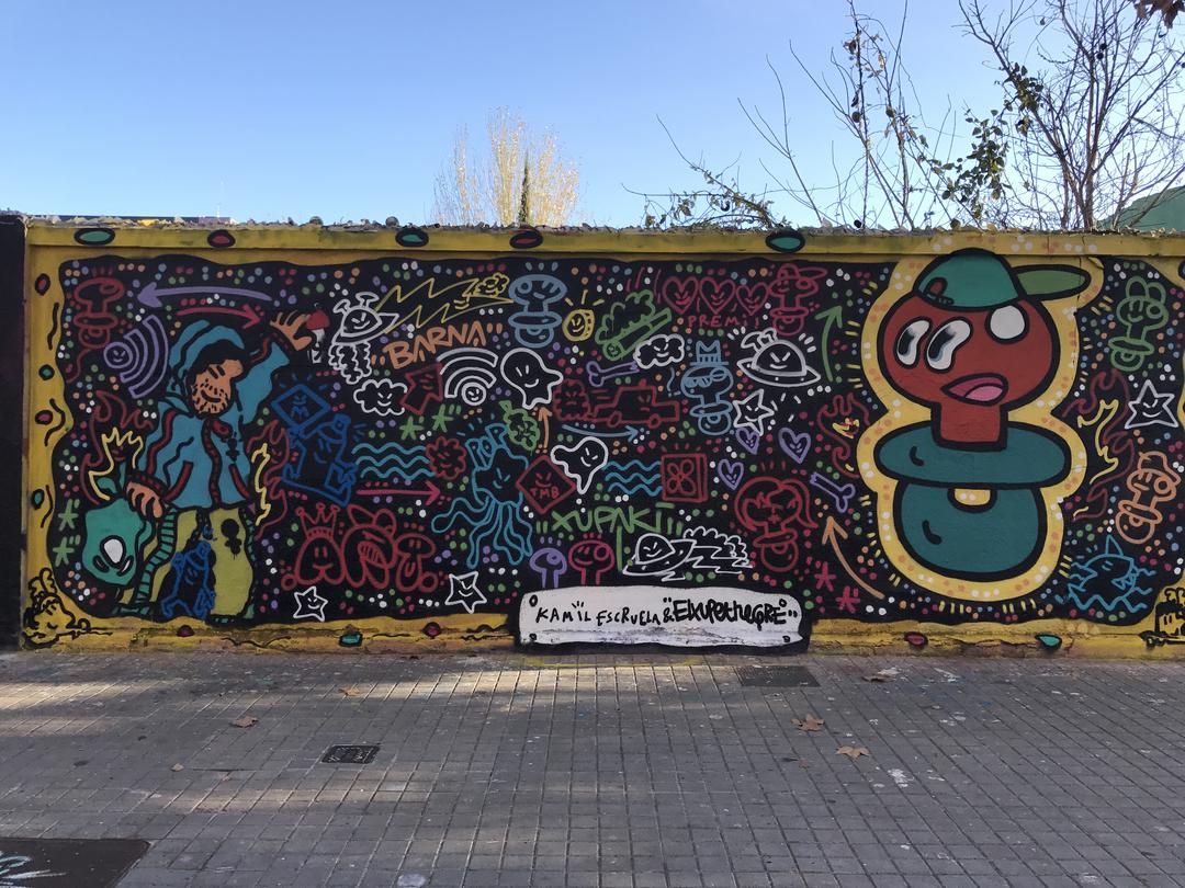 Wallspot - kamil escruela - mixed whit xupet negre - Barcelona - Agricultura - Graffity - Legal Walls - Il·lustració, Altres