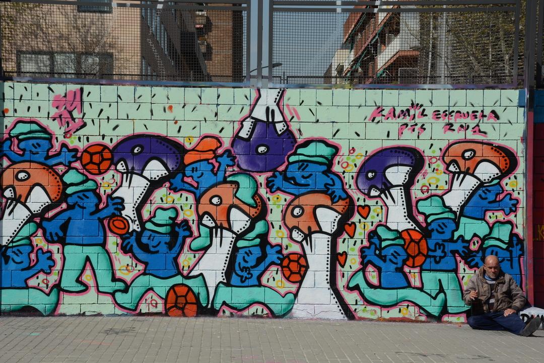 Wallspot - Lluís Olivé - SR. BOLETS & SR. KAMIL - Barcelona - Drassanes - Graffity - Legal Walls - Illustration - Artist - kamil escruela