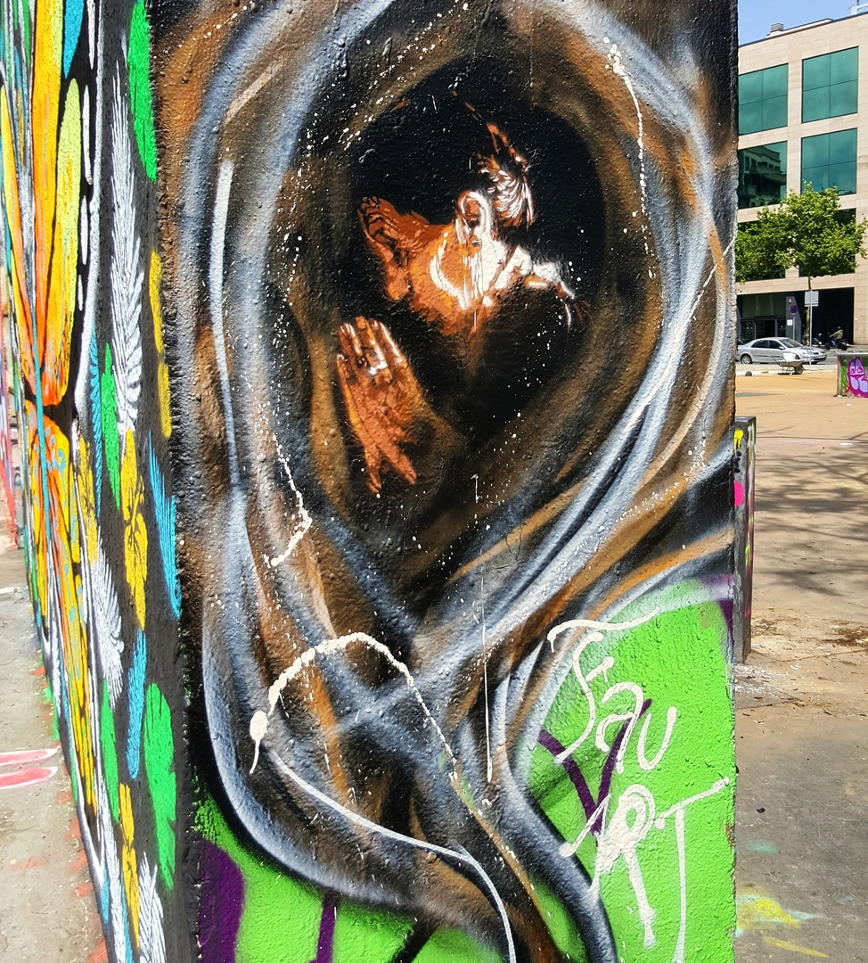 Wallspot - FAU -  - Barcelona - Tres Xemeneies - Graffity - Legal Walls -