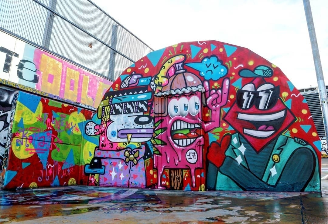 Wallspot - senyorerre3 - Art Frenemy & Konair & Rombillos - Barcelona - Tres Xemeneies - Graffity - Legal Walls - Illustration