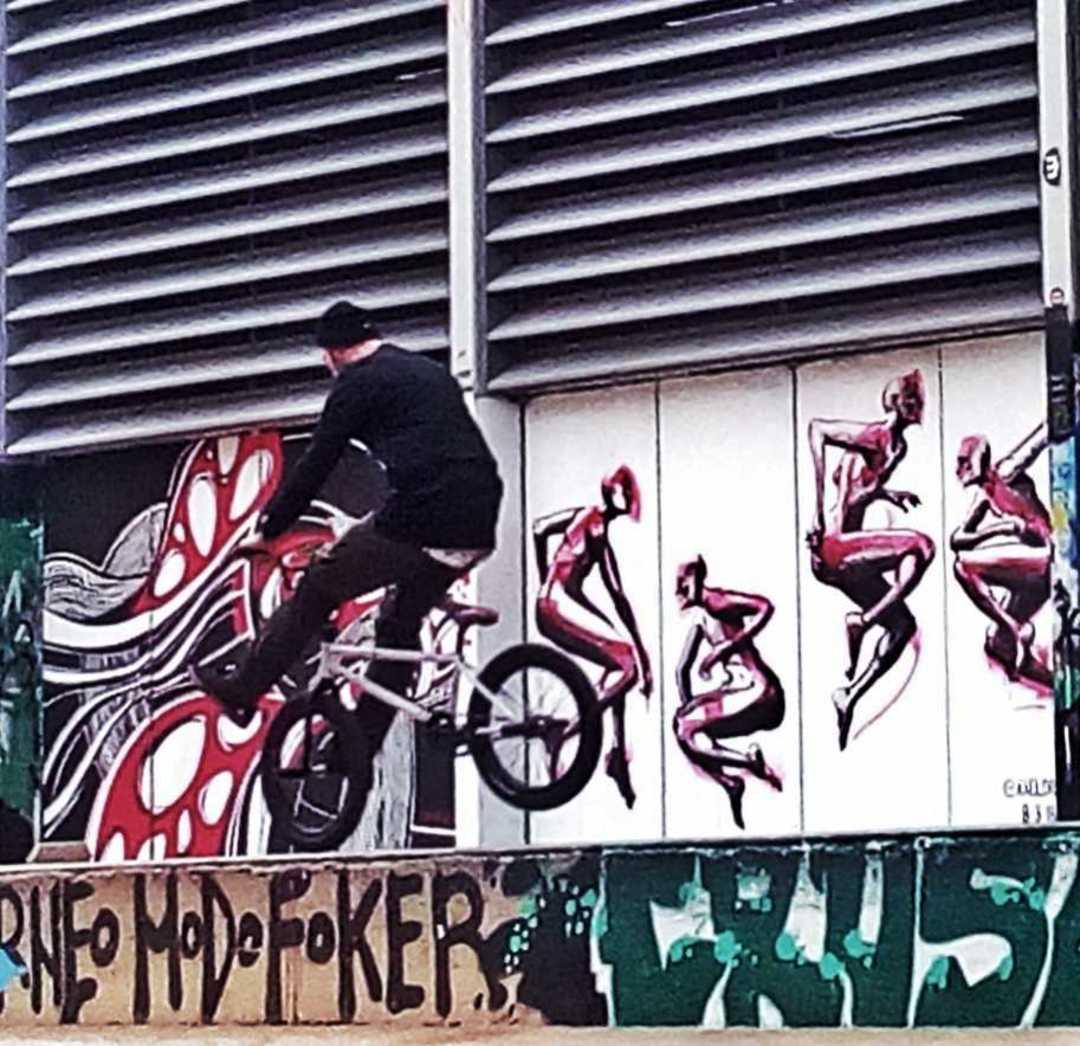 Wallspot - jcdelestal - . - Barcelona - Tres Xemeneies - Graffity - Legal Walls -