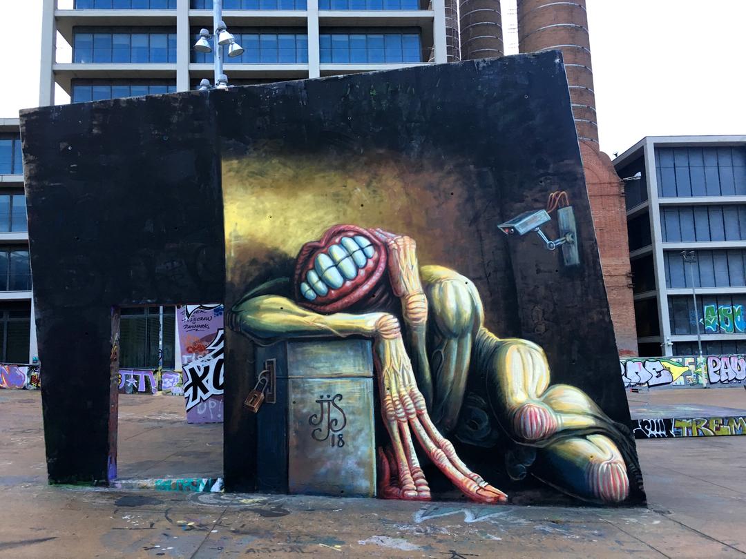 Wallspot - Juanjo_Surace -  - Barcelona - CUBE tres xemeneies - Graffity - Legal Walls -