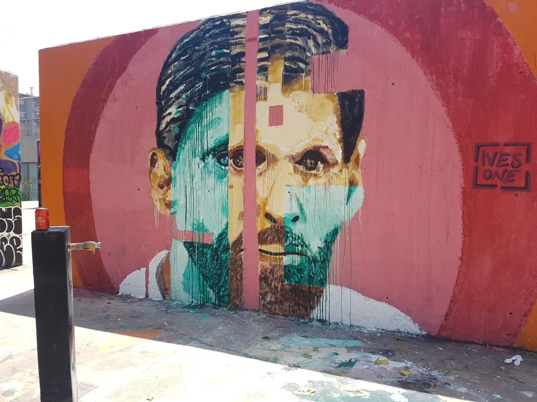 Wallspot - ives.one - CUBE tres xemeneies - Barcelona - CUBE tres xemeneies - Graffity - Legal Walls - Illustration