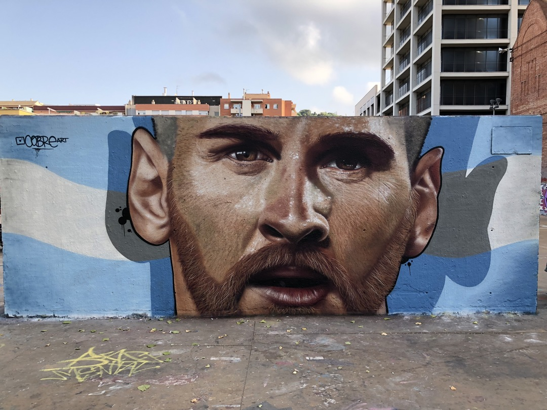 Wallspot - BCN Urban Art - Cobre pinta a Lionel Messi (Julio 2108) - Barcelona - Tres Xemeneies - Graffity - Legal Walls - Il·lustració - Artist - Cobre