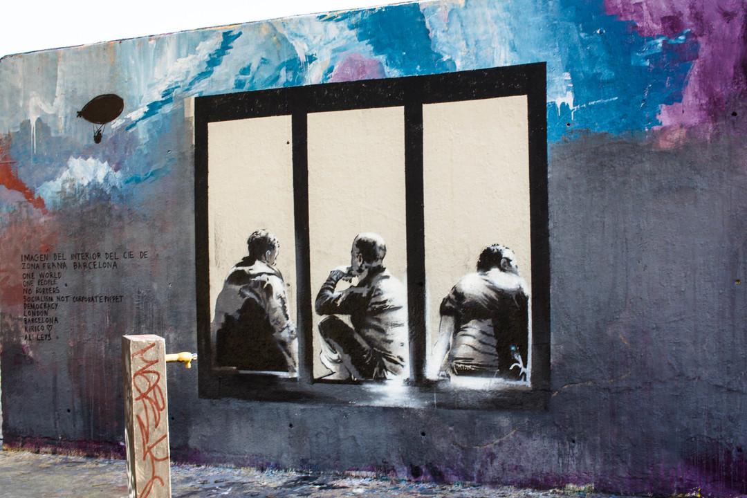 Wallspot - JOAN PIÑOL - Interior del CIES de Zona Franca - Barcelona - Tres Xemeneies - Graffity - Legal Walls - Illustration