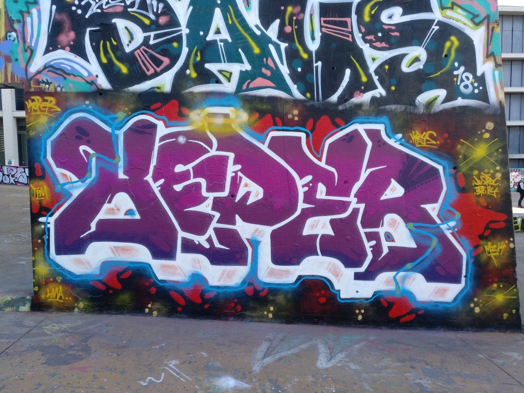 Wallspot - Koper -  - Barcelona - CUBE tres xemeneies - Graffity - Legal Walls -