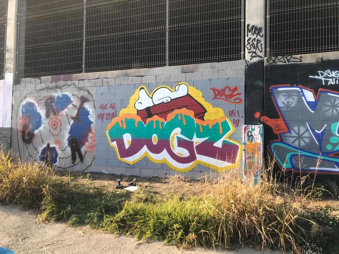 Wallspot - Dogz -  - Barcelona - Forum Place - Graffity - Legal Walls - Letras, Ilustración