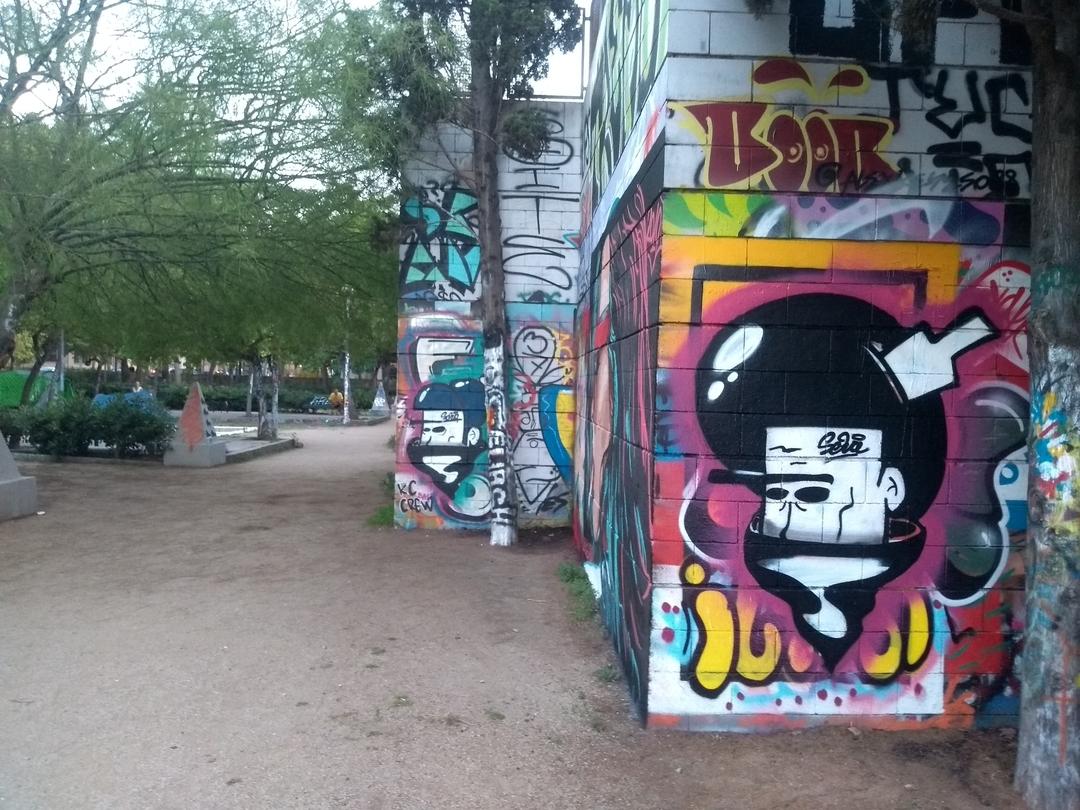 Wallspot - selva - famly bsness - Barcelona - Drassanes - Graffity - Legal Walls - Illustration