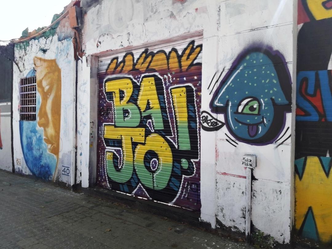 Wallspot - J.Bajo - Que noooo llegaaas Bajoooo. Que sii ya veraaas  - Barcelona - Western Town - Graffity - Legal Walls - Lletres, Il·lustració