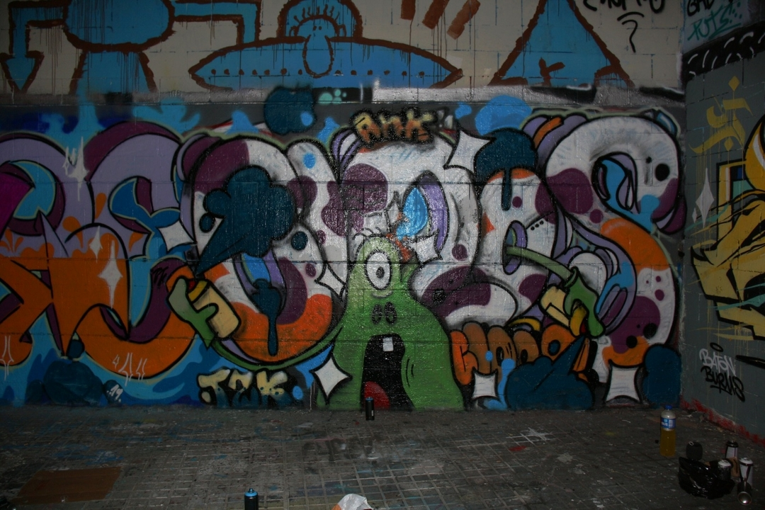 Wallspot - closMotiont2k -  - Barcelona - Drassanes - Graffity - Legal Walls - Lletres