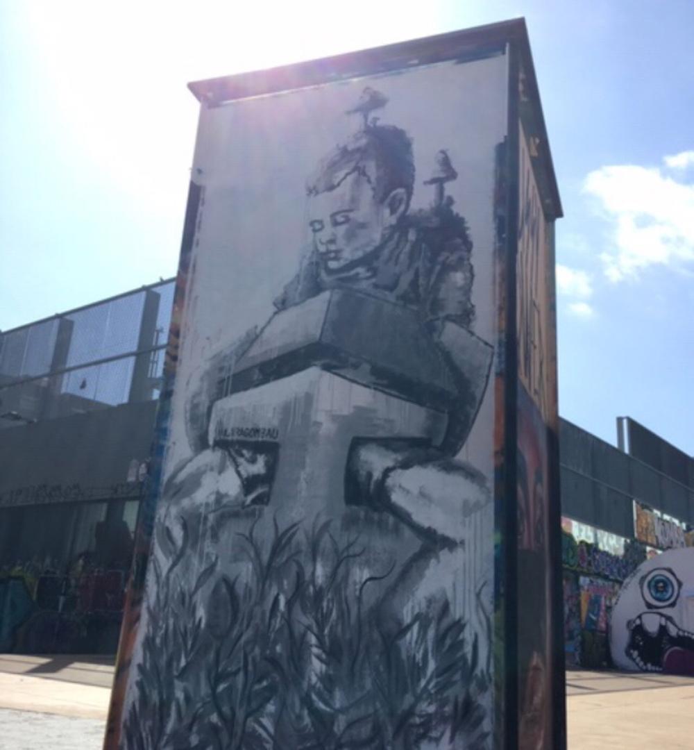 Wallspot - araL -  - Barcelona - Tres Xemeneies - Graffity - Legal Walls -