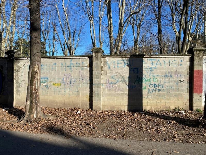 Wallspot Post - NOU MUR A MILÀ (STRADEDARTS&WALLSPOT)