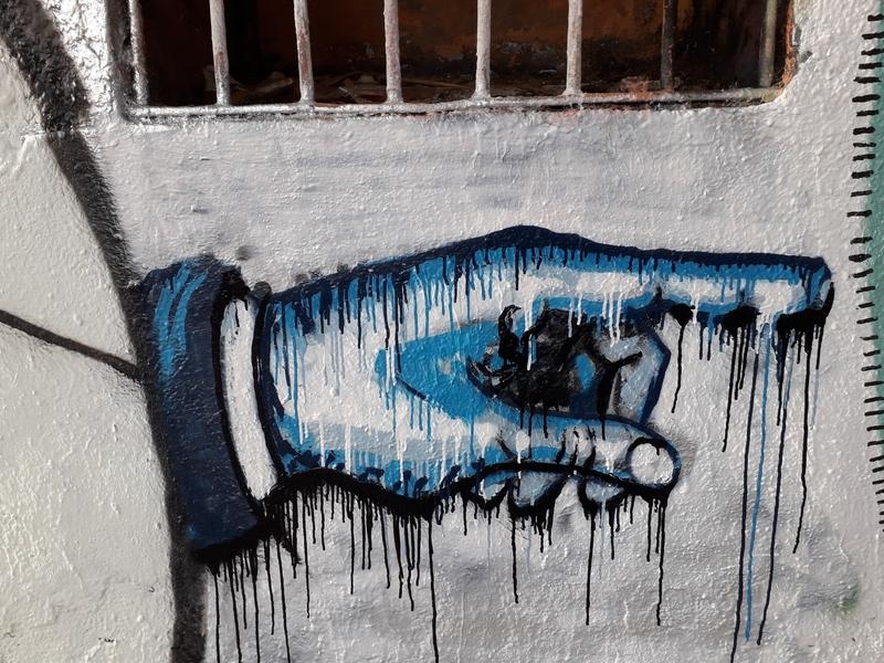 Wallspot - martinmonet - Western Town Cuando el sabio señala la luna, el necio mira el dedo - Barcelona - Western Town - Graffity - Legal Walls -