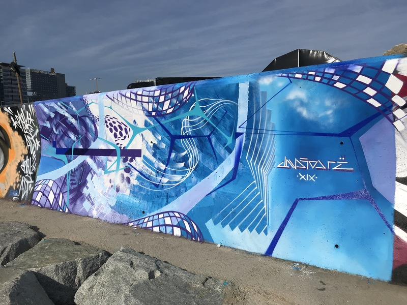 Wallspot - Drë - El Fluir Constante de la Brisa y la Marejada - Barcelona - Forum beach - Graffity - Legal Walls -