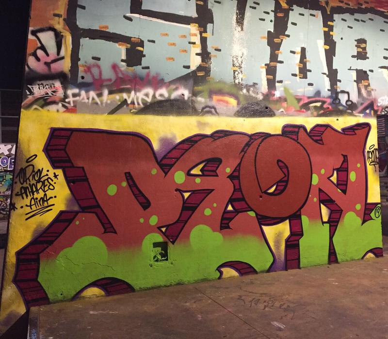 Wallspot - peone1 - PEON  - Barcelona - CUBE tres xemeneies - Graffity - Legal Walls - Letters