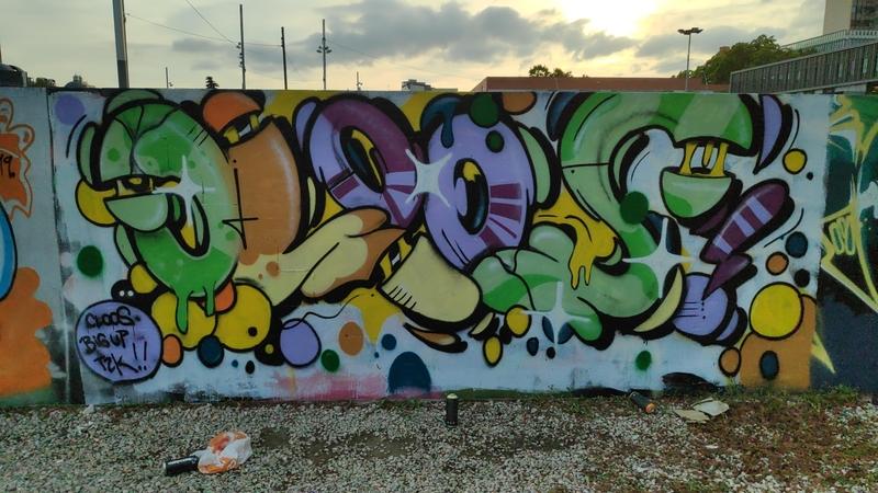 Wallspot - closMotiont2k - Barcelona - Parc de la Bederrida - Graffity - Legal Walls -