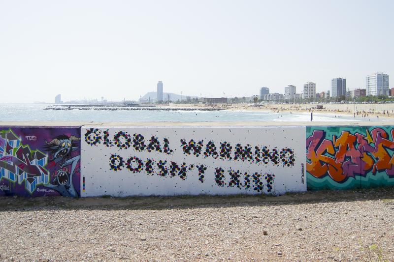 Wallspot - printr - PRINTR - Global warming doesn't exist - Barcelona - Forum beach - Graffity - Legal Walls - Lletres, Stencil