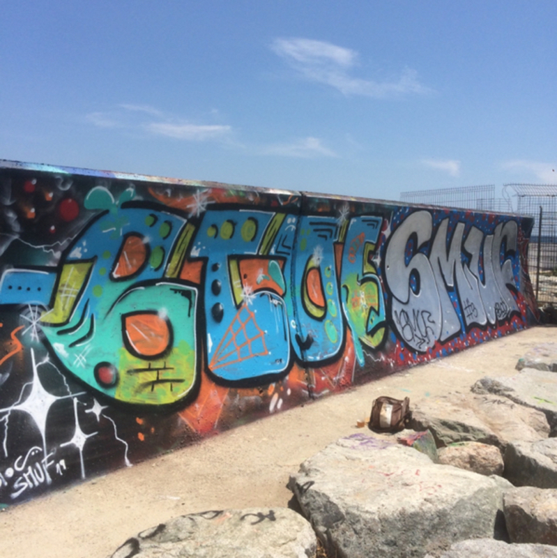 Wallspot - bloc - Barcelona - Forum beach - Graffity - Legal Walls -