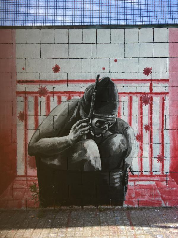 Wallspot - araL - mar enmurallada - Barcelona - Drassanes - Graffity - Legal Walls - Illustration